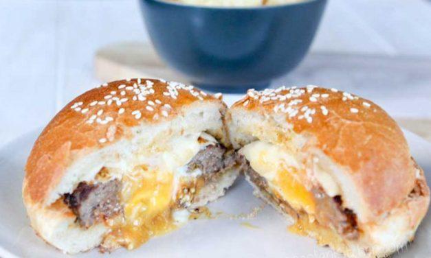 Домашний чизбургер с яйцом