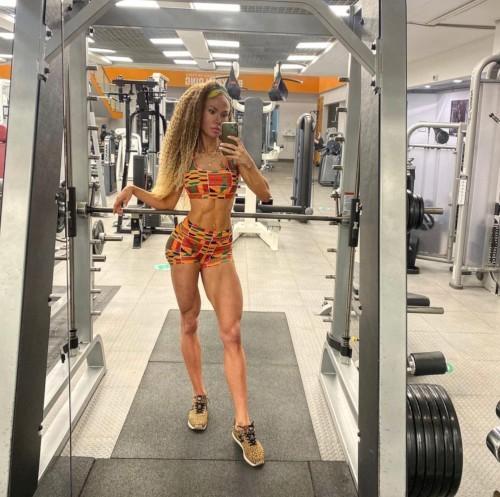 Лина Акинделе. Фитнес-модель Акинделе Анжелина Фитнес Мотивация Фитнес модель
