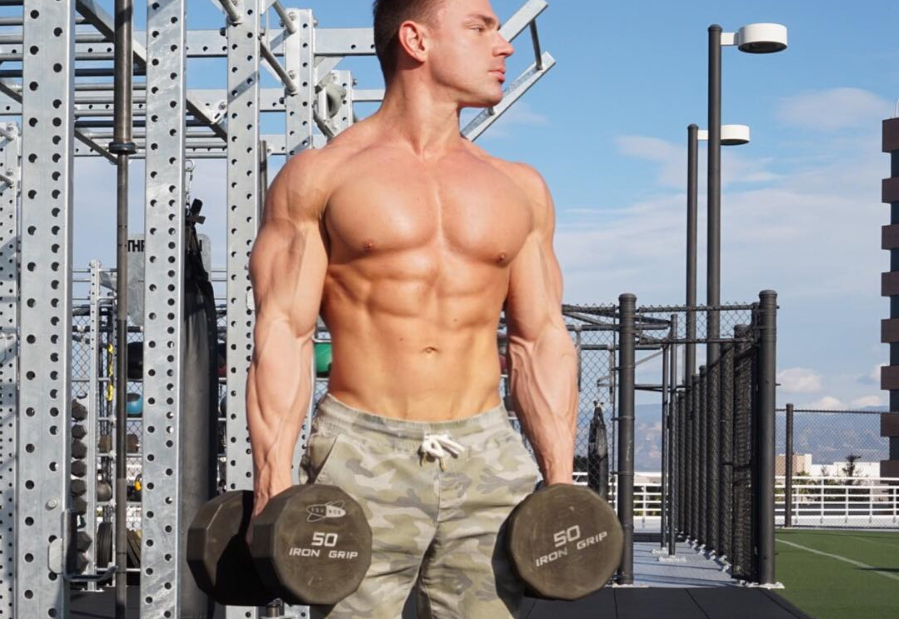 Программа тренировок в домашних условиях для мужчин