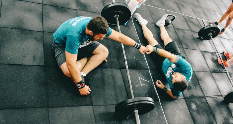 Программа тренировок в тренажерном зале для мужчин для начинающи