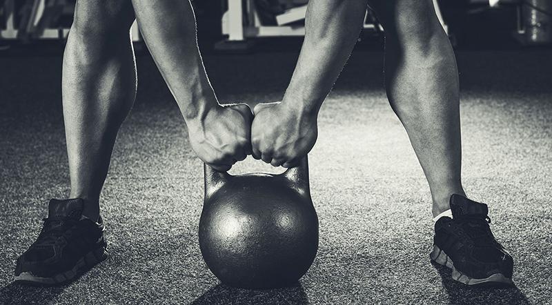 Упражнения с гирей: КОМПЛЕКС на все группы мышц (фото и видео)